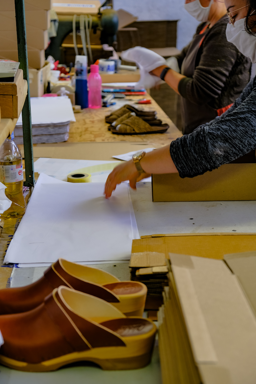 Atelier paquet chaussures