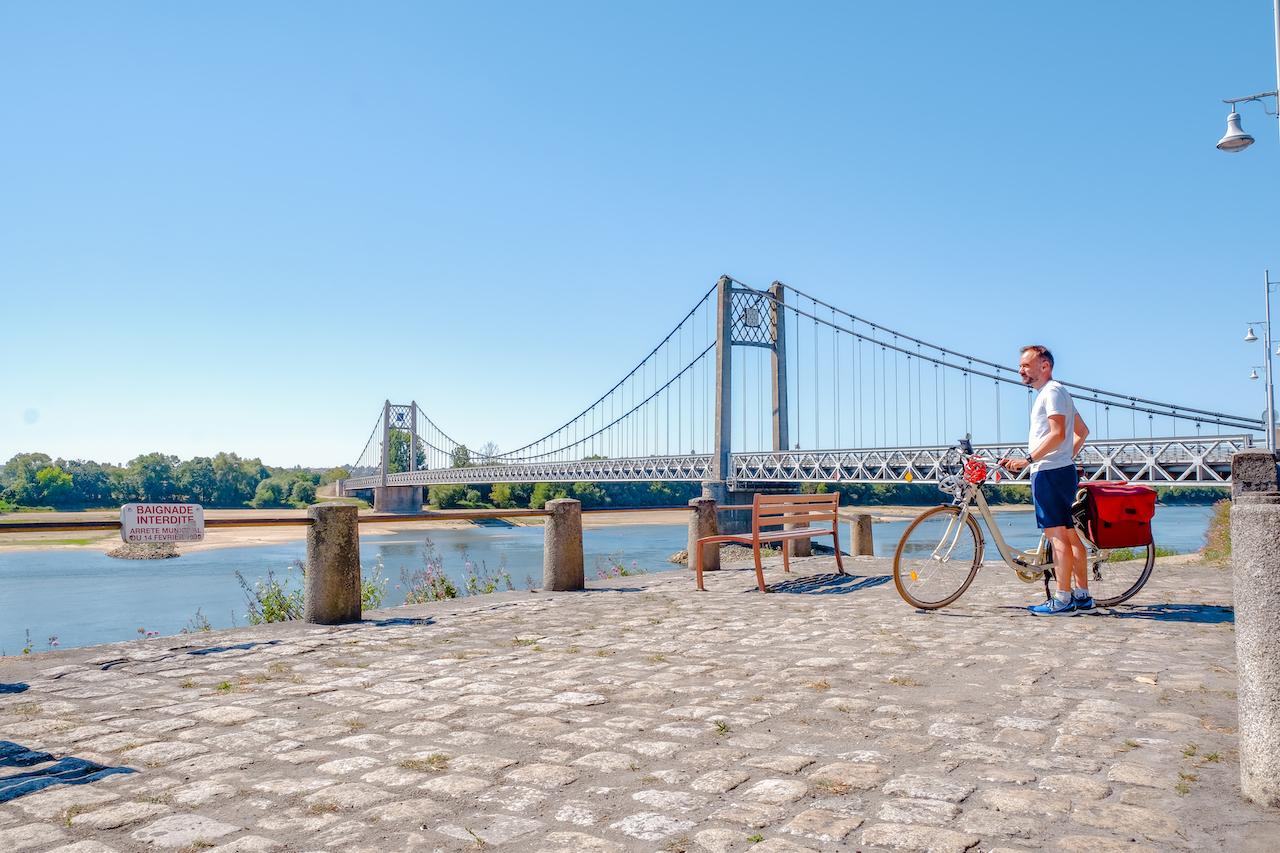 Devant le Pont d'Ancenis